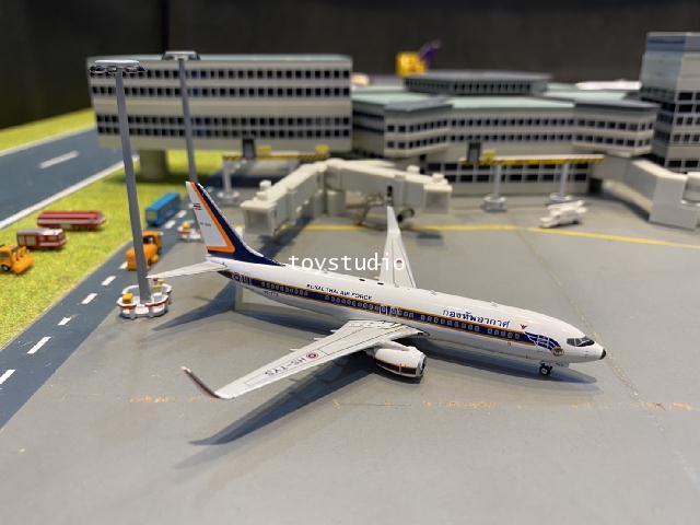 Phoenix 1:400 RTAF 737-800W HS-TYS PH1672