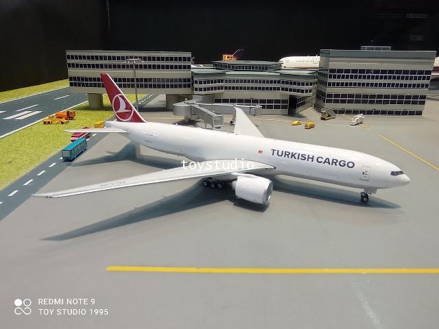 Phoenix 1:400 Turkish Cargo 777-200LRF TC-LJN PH1675
