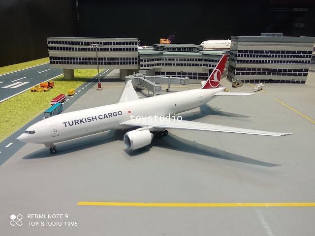 Phoenix 1:400 Turkish Cargo 777-200LRF TC-LJN PH1675 1