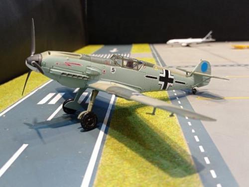 HA8714 1:48 BF 109E-3 model Stab/JG 26,France,spring 1940 [Width 20 Length 18 Height 3 cms.]