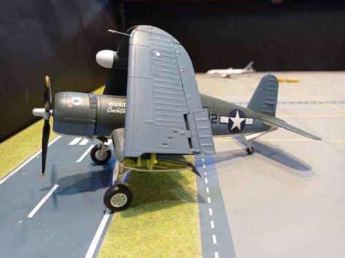 HA8220 1:72 F4U-2 Corsair