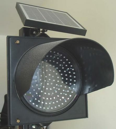 สัญญาณไฟกระพริบพลังงานแสงอาทิตย์ ขนาด 200มม. (LEDs 130 ดวง)