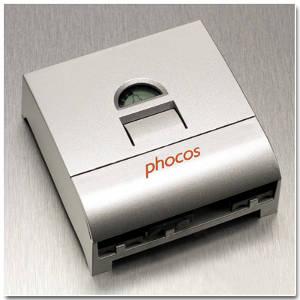 เครื่องควบคุมการประจุ Solar Charge Controller ( Phocos CX 20A )