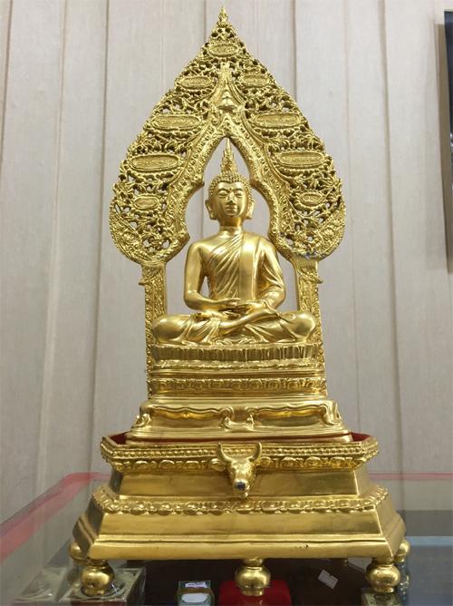พระนิรันตรายบูชา เนื้อโลหะทองเหลือง ปิดทอง ขนาดหน้าตัก 5 นิ้ว สำหรับตั้งเป็นพร(เช่าบูชาไปแล้ว)
