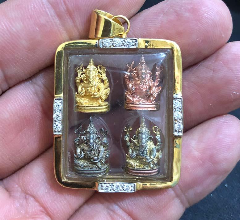 พระพิฆเนศวร ลอยองค์ ชุดทองคำ นาค เงิน 3 K พร้อมเลี่ยมทองคำ พิธียิ่งใหญ่ฯ ทองคำรวมๆ (เช่าบูชาไปแล้ว)