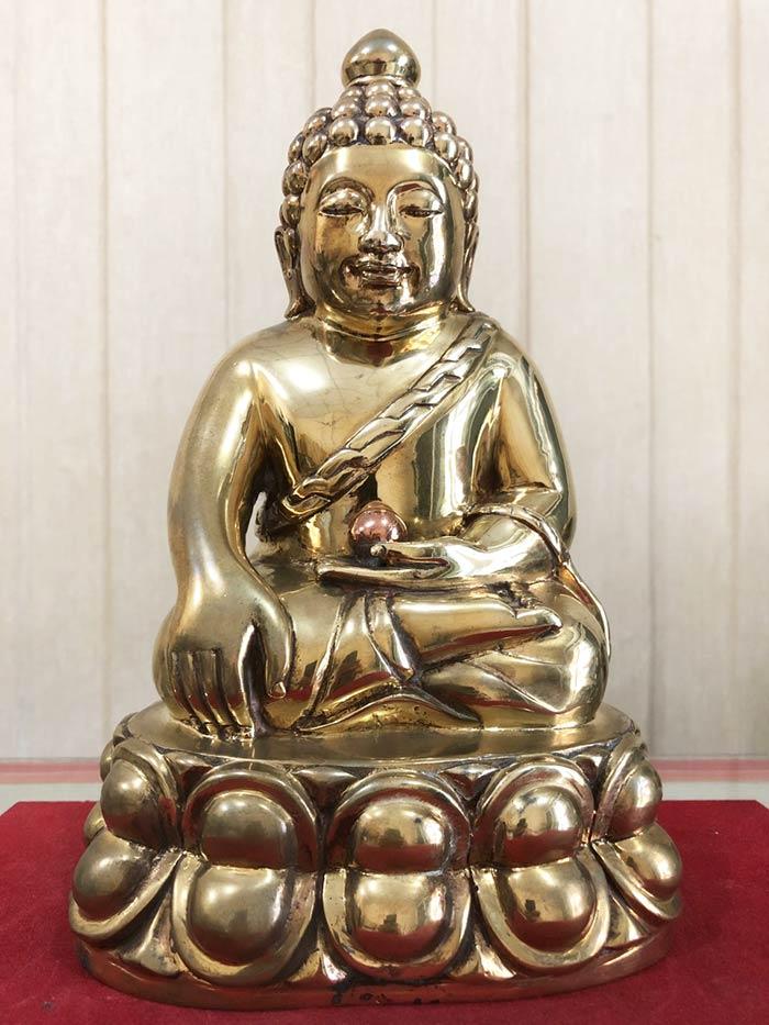พระบูชาพุทธอุดมสมบูรณ์ (ปุ้มปุ้ย)  เนื้อสัมฤทธิ์ หน้าตัก ๕ นิ้ว  รุ่นแรก ปี 2535  (เช่าบูชาไปแล้ว)