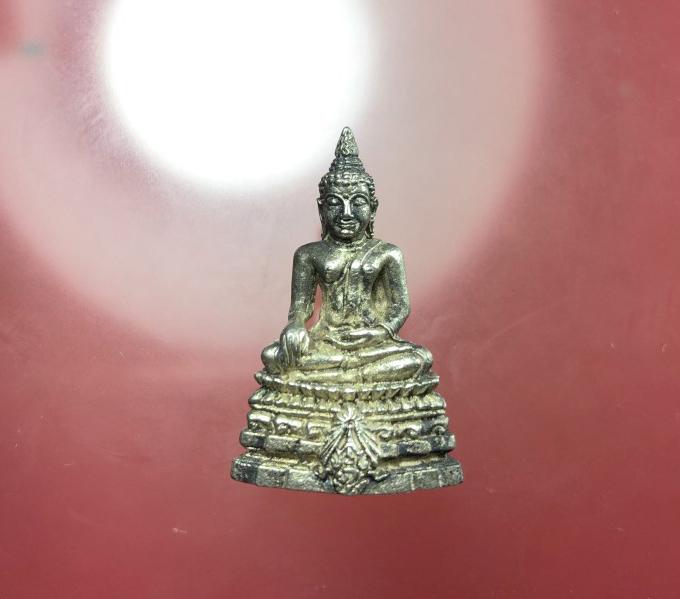 กริ่งพระพุทธชินสีห์ ภปร. ทันโต เสฏโฐ เนื้อเงิน บรรจุพระทันตะในหลวง ร.9 พร้อมกล่ (เช่าบูชาไปแล้ว)