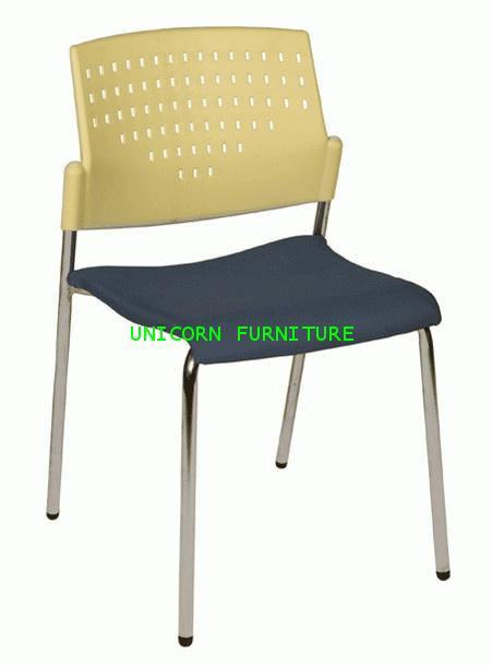 เก้าอี้โพลี รุ่น UN-612