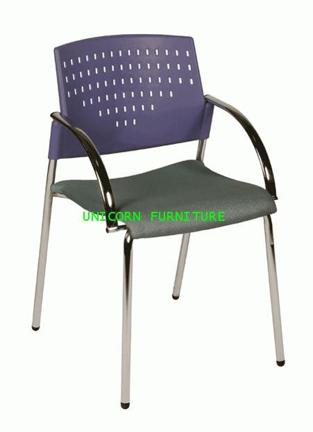 เก้าอี้โพลี รุ่น UN-614