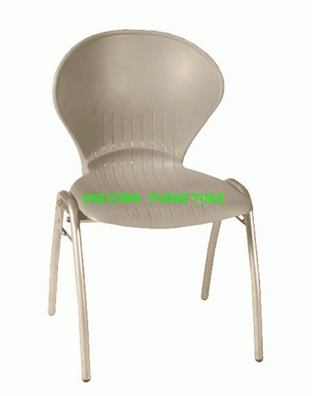 เก้าอี้โพลี รุ่น UN-668