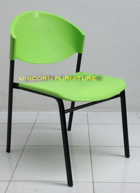 เก้าอี้โพลีโครงเหล็กแป๊ปรูปไข่ พ่นสีดำ  รุ่น CP-03P 3