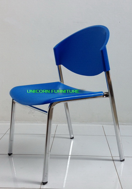 เก้าอี้โพลีโครงเหล็กแป๊ปรูปไข่ พ่นสีดำ  รุ่น CP-03P 5