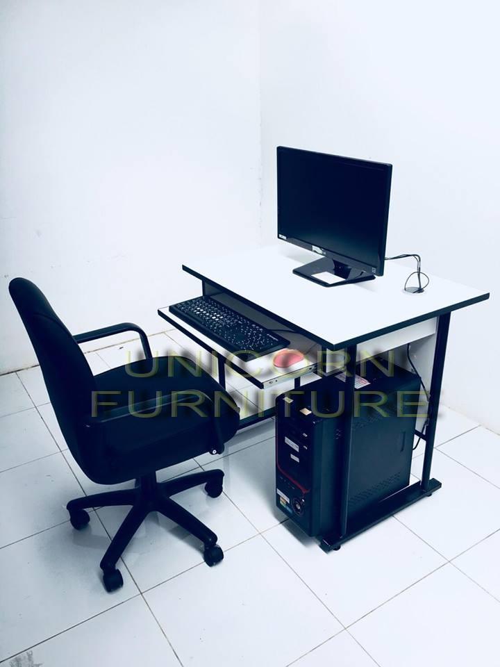 ชุดโต๊ะคอมพิวเตอร์พร้อมเก้าอี้