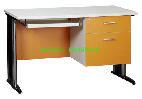 โต๊ะคอมพิวเตอร์  รุ่น PFF6
