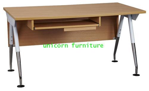 โต๊ะคอมพิวเตอร์  รุ่น PFF7 (ราคาไม่รวมตู้ลิ้นชัก)