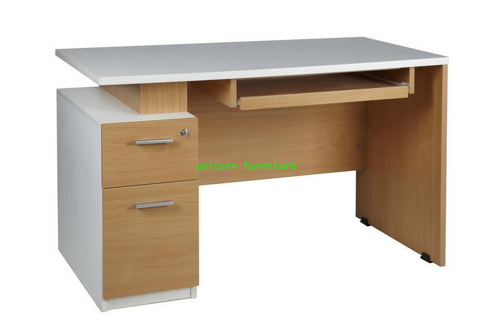 โต๊ะคอมพิวเตอร์ โครงไม้ล้วน รุ่น PFF13