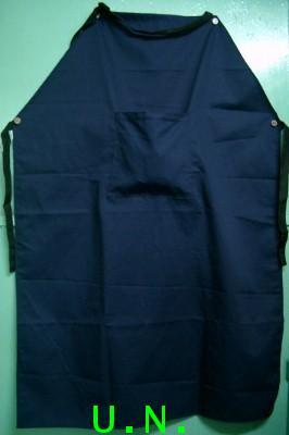 เอี๊ยมผ้าอย่างหนานุ่มสีกรมท่า มีกระเป๋ากลาง(กว้าง 70 ซม*ยาว 105 ซม)หนากว่าผ้าโทเร