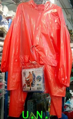 เสื้อกันฝนแบบ(เสื้อและกางเกง)แบบอย่างหนากลางกลาง เป็นชุดมุก สีประกายสดใส