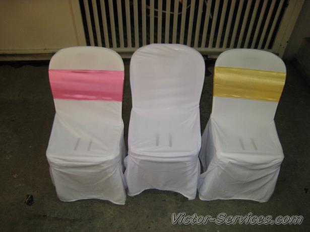 เช่าโต๊ะจีน-เก้าอี้พลาสติก คลุมผ้าสีทอง 2