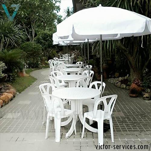 เช่าโต๊ะ-เก้าอี้ - ชุดโต๊ะ-เก้าอี้สนามสีขาว พร้อมร่มสนาม 1
