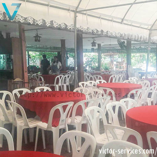 เช่าโต๊ะจีน -เก้าอี้พลาสติก คลุมผ้าโต๊ะสีแดง 2