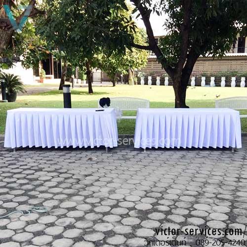เช่าโต๊ะ - โต๊ะเหลี่ยมหน้าขาวคลุมผ้าขาว+จับจีบสีขาว/ดำ 2