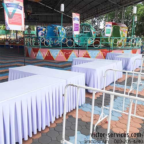 เช่าโต๊ะ - โต๊ะเหลี่ยมหน้าขาวคลุมผ้าขาว+จับจีบสีขาว/ดำ