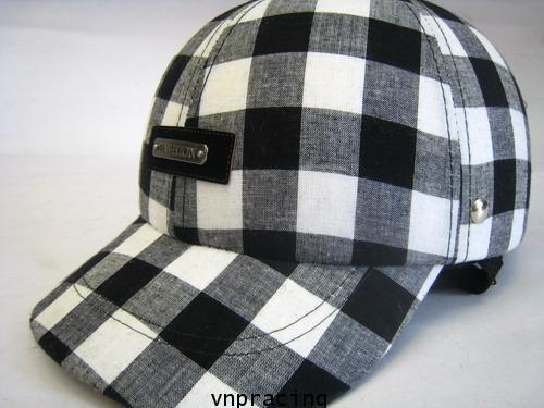 หมวกกันน๊อคมีแก๊ป nexttex ลายสก๊อต ขาว-ดำ