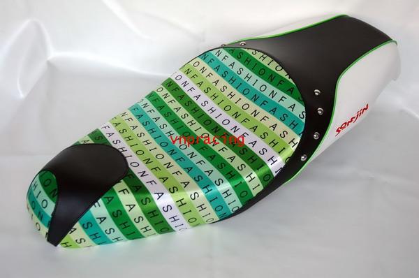 เบาะฟีโน่อานม้า YF0202 รุ้งเขียว