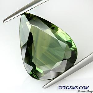 เขียวส่อง (Green Sapphire) 6.04 กะรัต หยดน้ำ VVS