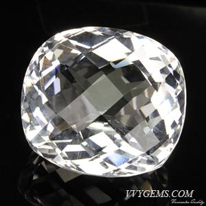 ร็อก คริสตัล (Rock Crystal) เหลี่ยมตาข่าย 60.70 กะรัต
