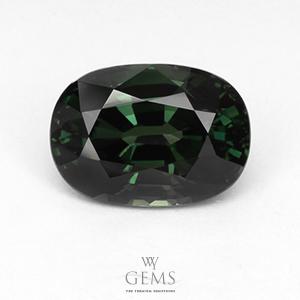 เขียวส่อง(Green Sapphire) 4.43 กะรัต เขียวเข้ม