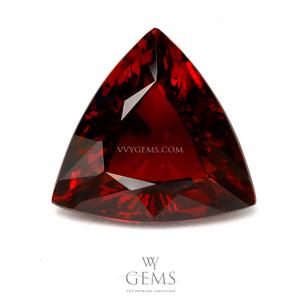 โกเมน (Spessartite Garnet) 6.26 กะรัต สีแดงส้ม สามเหลี่ยม