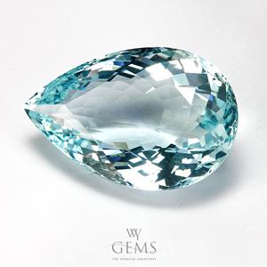 อะความารีน (Aquamarine) 25.64 กะรัต สีฟ้าอ่อน รูปหยดน้ำ IF 1