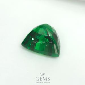 กรีน การ์เนต(Green Garnet) 1.02 กะรัต รูปสามเหลี่ยม 2