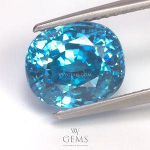 เพทาย (Blue Zircon) 6.69 กะรัต รูปไข่ สีฟ้าเข้ม