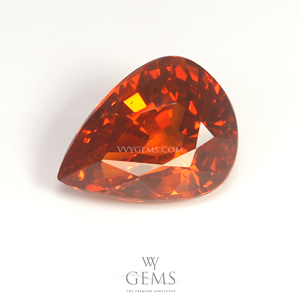 สเปสซาร์ไทด์ (Spessartite Garnet) 3.95 กะรัต รูปหยดน้ำ สีแดงส้ม