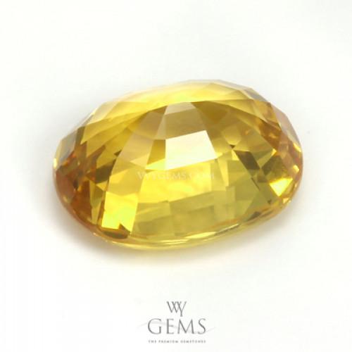 บุษราคัม(Yellow Sapphire) 4.20 กะรัต  รูปไข่ ไฟดี 2
