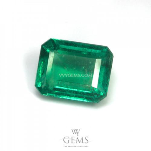 มรกต (Emerald) 1.40 กะรัต สีสวยเนื้อดี 1