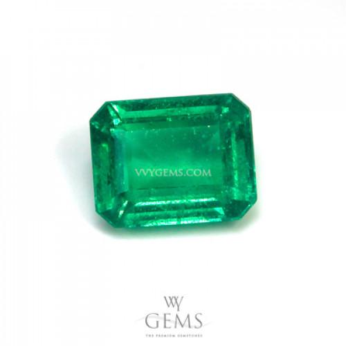 มรกต (Emerald) 1.40 กะรัต สีสวยเนื้อดี