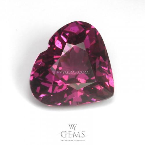 โรโดไลต์ (Rhodolite) 2.50 กะรัต รูปหัวใจ สีม่วงเข้ม