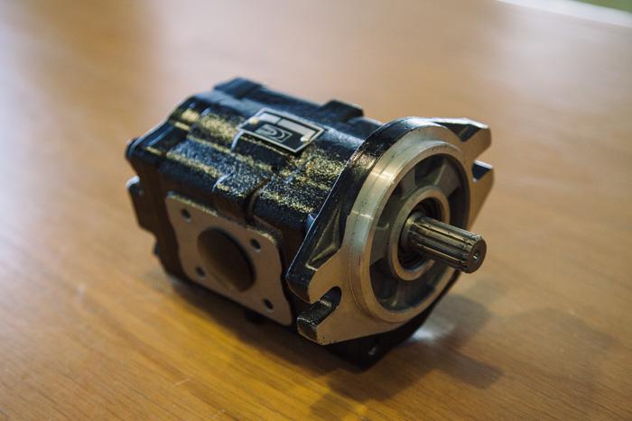 ปั๊มไฮดรอลิกยกหาง Kubota M7040 แกนเฟือง 15 ฟัน