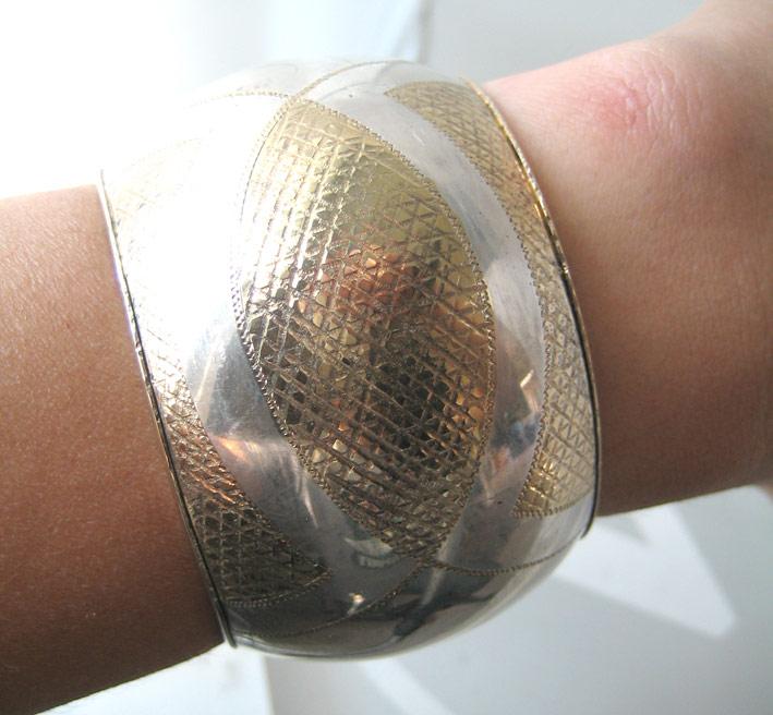 กำไลข้อมือ italy ตัวเรือนเป็นเงินปิดทองเป็นลวดลาย งานเก่า เหมาะกับข้อมือขนาด 15-16cm สภาพสวย 4