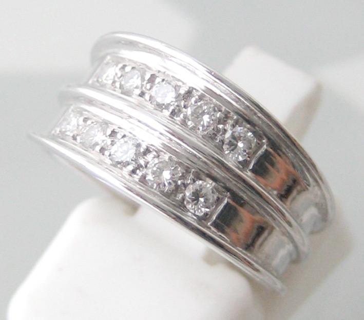 แหวนทองขาวประดับเพชรแท้ขนาด 0.03x10 กะรัต น้ำขาว 97 เบลเยี่ยมคัต ไฟดีไม่มีตำหนิ ตัวเรือนทองขาว น้ำหน