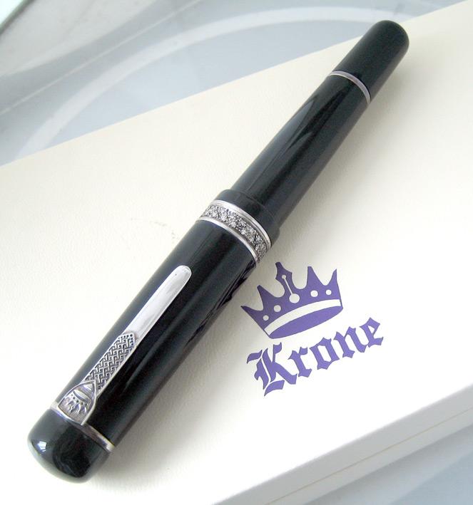 ปากกาหมึกซึม krone crystal colection ตัวเรือนอครีลิคลายสลับเงินแท้ silver 925 ประดับคลิสตัลแท้ ระบบส 1