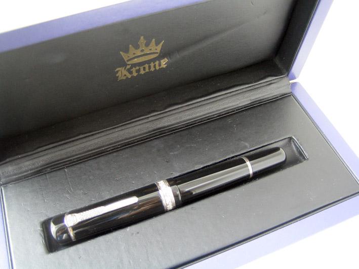 ปากกาหมึกซึม krone crystal colection ตัวเรือนอครีลิคลายสลับเงินแท้ silver 925 ประดับคลิสตัลแท้ ระบบส 8