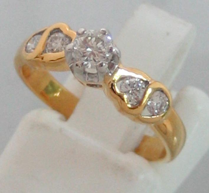 แหวนทองคำประดับเพชรแท้รวมน้ำหนัก 0.20 กะรัต เบลเยี่ยมคัต น้ำขาว 95-96 กะรัต ตัวเรือนทอง 90 น้ำหนักร