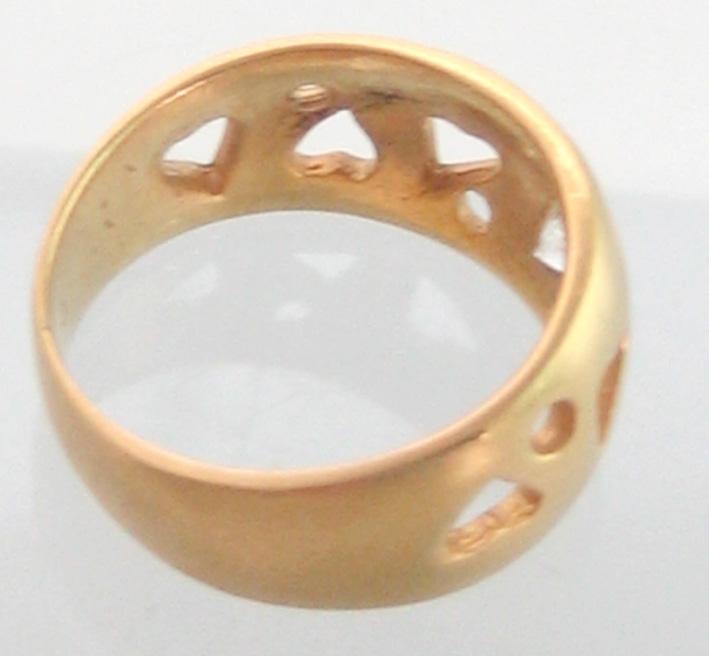แหวนทองคำประดับเพชรแท้เม็ดเดี่ยวขนาด 0.15 กะรัต ตัวเรือนทอง 90 ฉลุลวดลายหัวใจ น้ำหนักทองรวม 4.4 กรั 4