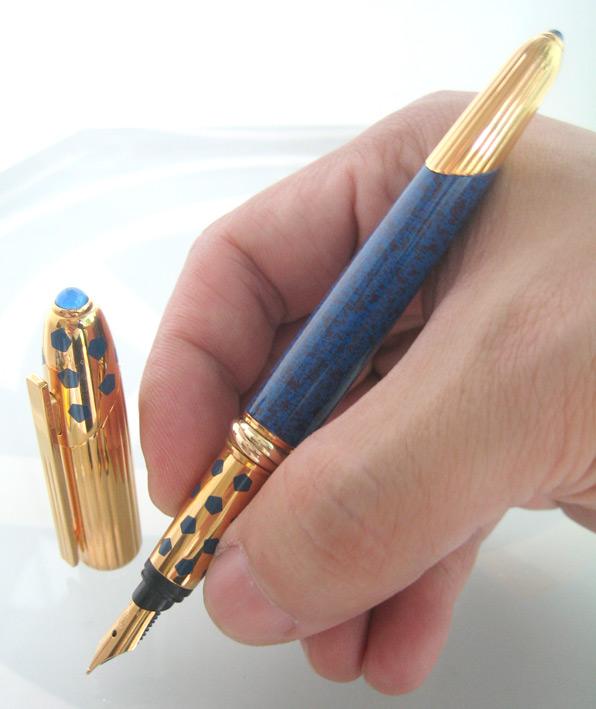 ปากกาหมึกซึม Cartier panthere laq blue fontain classic  for man, lady ปากเป็นทอง 18k (750) size F ตั