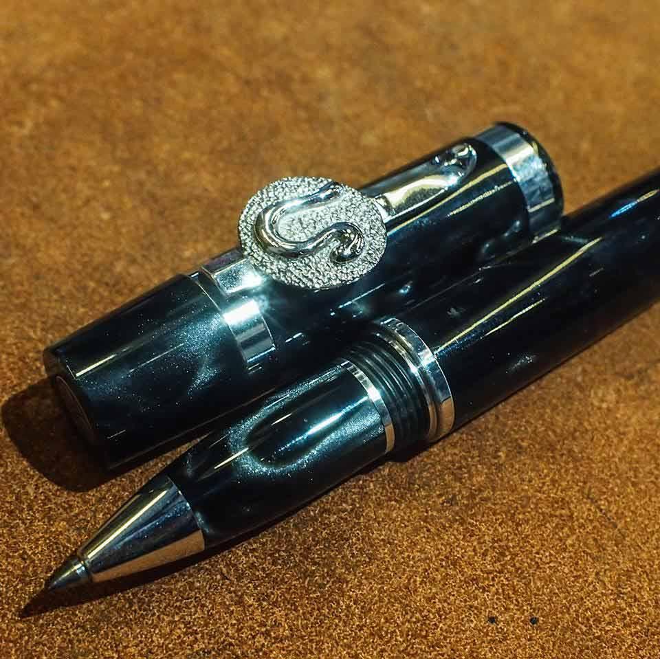ปากกาหมึกแห้ง lalex collection ITALY ตัวด้ามอครีลิคลายหินดำสลับชุดเหน็บ silver 925 ลงยา ของใหม่ยังไม
